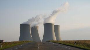 Chiny zwiększają moc reaktorów. To