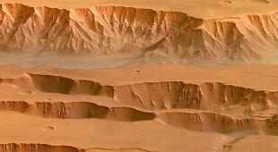 Największy kanion Układu Słonecznego na dokładnych obrazach (ESA)