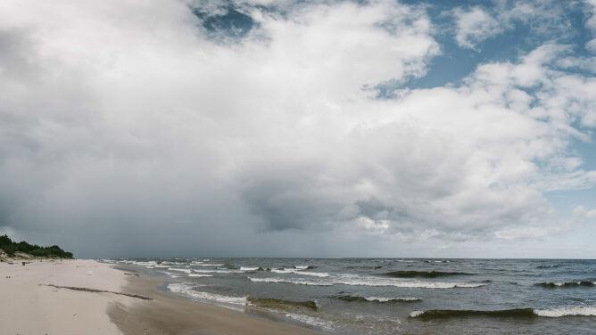 Prognoza pogody na dziś: pochmurna niedziela z burzami