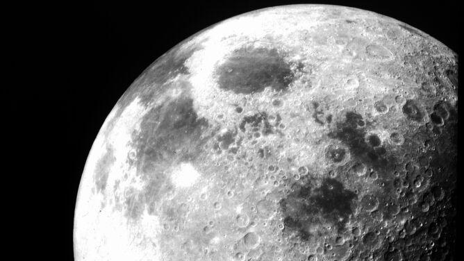 """""""Księżyc będzie w przyszłości bazą do dalekich podróży"""""""