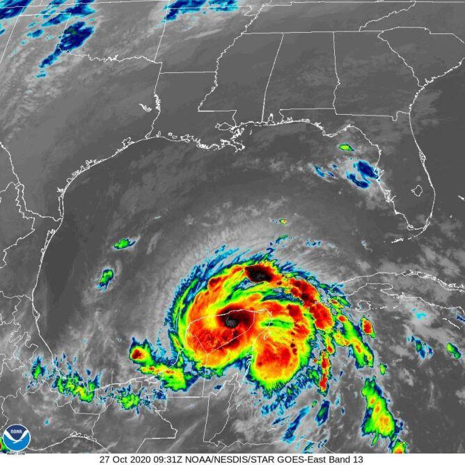 Zdjęcie satelitarne burzy tropikalnej Zeta (NOAA)